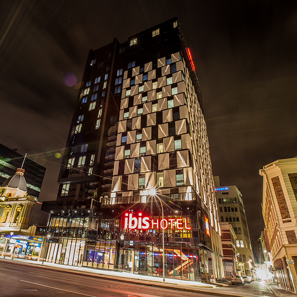 IBIS Hotel – 122 Grenfell Street